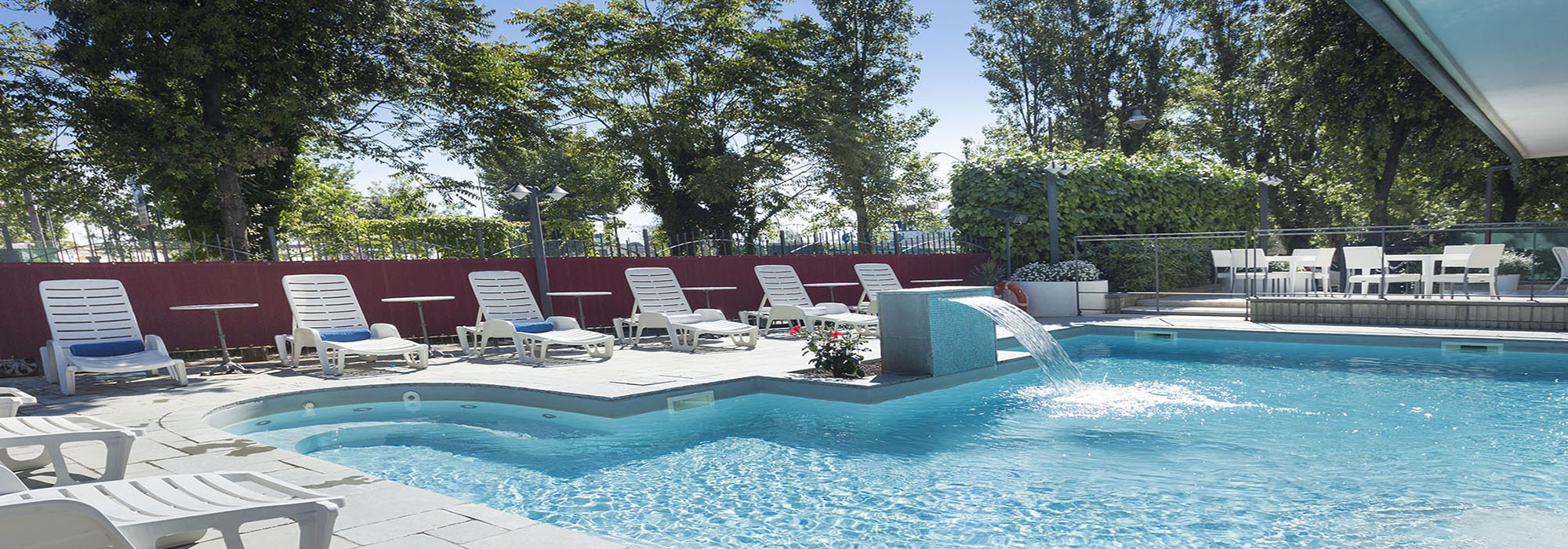 Hotel piscina riscaldata rimini albergo 4 stelle idromassaggio hotel bikini rimini - Hotel con piscina a rimini ...